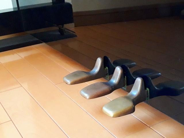アップライトピアノのペダル