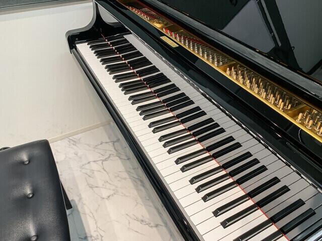 グランドピアノの鍵盤