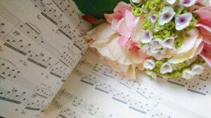 楽譜と花束
