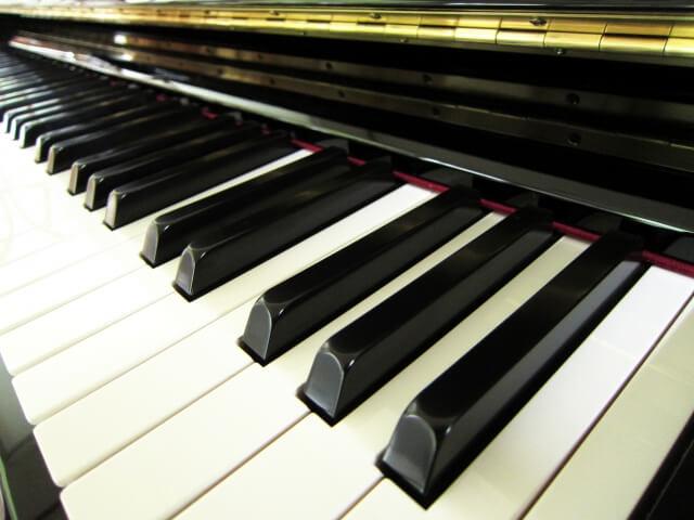 アップライトピアノの鍵盤